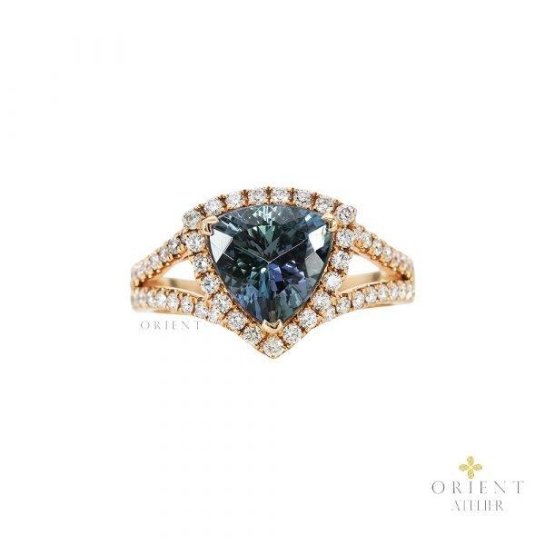 Aurora Tanzanite Ring by Orient Atelier